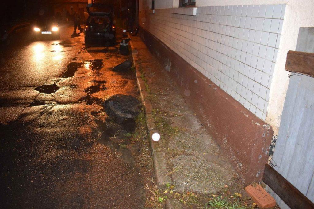 Az útra helyezett kövek veszélyeztették a közlekedés biztonságát (Fotó: Nógrád Megyei Rendőr-főkapitányság)