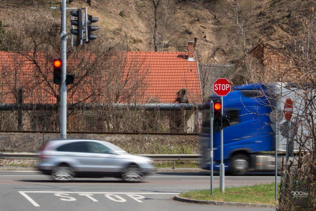 3100.hu Fotó:Beüzemelték a jelzőlámpát a salgótarjáni sportcsarnoknál