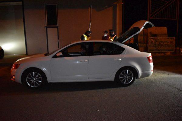 A rendőrök Balassagyarmaton vonták ellenőrzés alá a férfi autóját (Fotó: Nógrád Megyei Rendőr-főkapitányság)