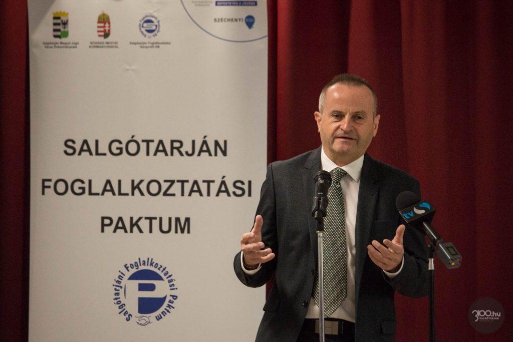3100.hu Fotó: Szabó Sándor, a Nógrád Megyei Kormányhivatalt vezető kormánymegbízott a paktumot értékelő rendezvényen