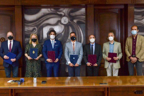 A klaszter támogatói között Skuczi Nándor, a Nógrád Megyei Önkormányzat Közgyűlésének elnöke (Fotó:Magyar Vöröskereszt Borsod-Abaúj-Zemplén Megyei Szervezet | Facebook)