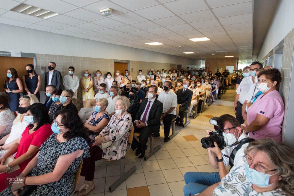 3100.hu Fotó: A Szent Lázár Megyei Kórház és a salgótarjáni önkormányzat közös Semmelweis-napi ünnepsége a rendelőintézet harmadik emeletén