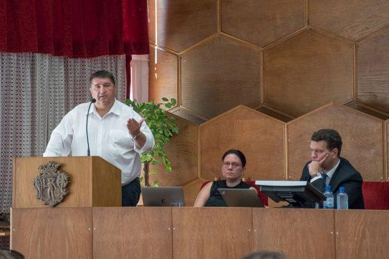 Becsó Zsolt országgyűlési képviselő a Novohrad-Nógrád Geopark ENJOY Parkká fejlesztésének vizsgálatáról szóló szakmai egyeztetésen, a salgótarjáni Megyeházán (Fotó: Nógrád Megye Önkormányzata)