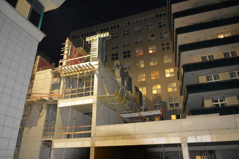 Éjszakénként is épül az Onkológiai Központ (Fotó: Szent Lázár Megyei Kórház Projektiroda)