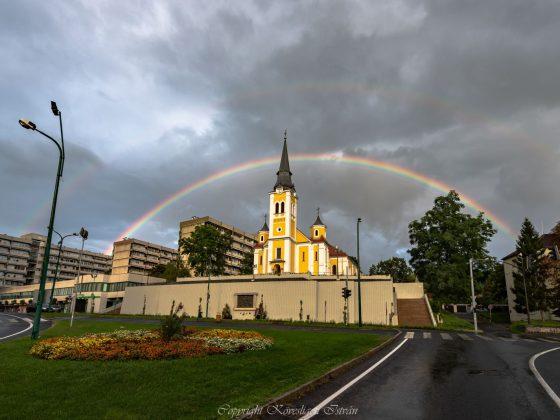 A felújított salgótarjáni Kisboldogasszony-templom (Fotó: Kövesligeti István)