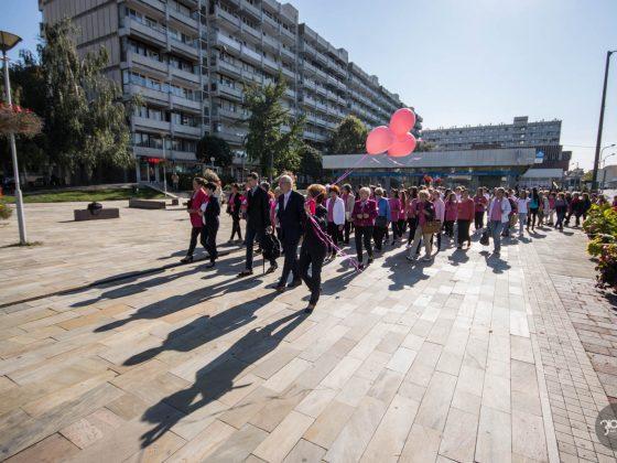 3100.hu Fotó: Figyelemfelkeltő rendezvényt tartottak Salgótarjánban a Mellrák Elleni Küzdelem Világnapja alkalmából