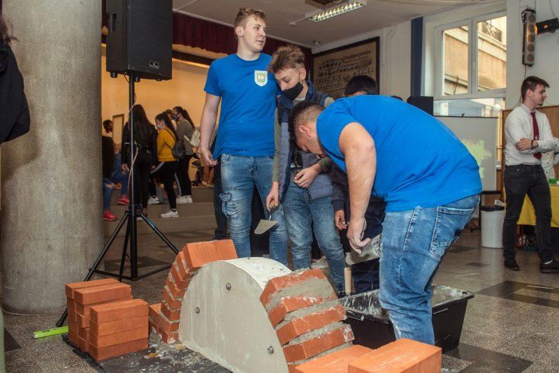 Összesen több mint hatszáz diák pályaválasztását segítették (Fotók: Nógrád Megyei Kereskedelmi és Iparkamara)