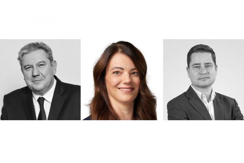 Dömsödi Gábor, Godó Beatrix és Horváth Ferenc, az ellenzéki előválasztás jelöltjei a kelet-nógrádi választókerületben (Fotók forrása: Előválasztás 2021)