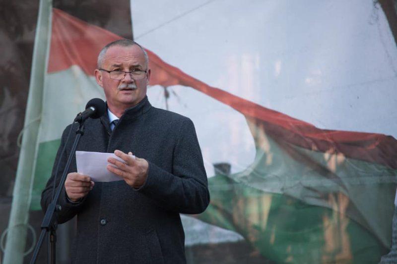 Fekete Zsolt polgármester a megyeszékhelyi és a megyei önkormányzat közös megemlékezésén (Fotó: Fekete Zsolt | Facebook)