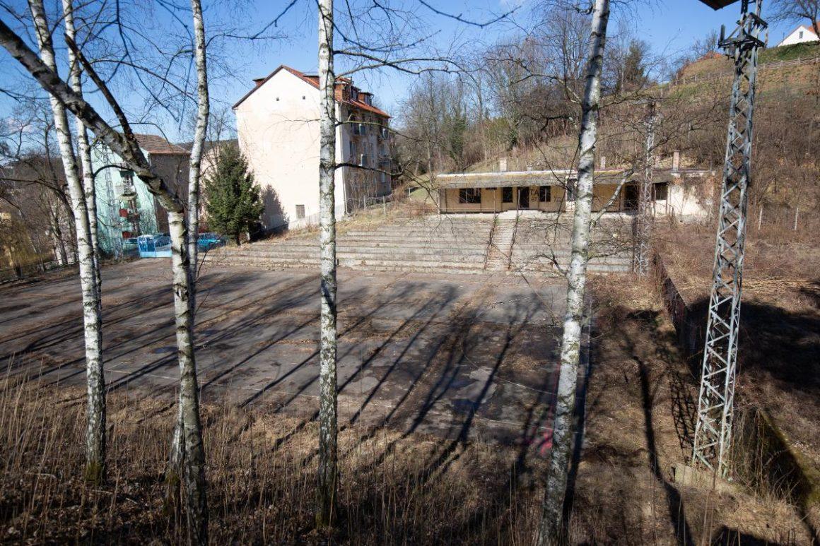 A beruházás helyszíne, az egykori Építők-pálya a Rokkanton (Fotók: Salgótarján Megyei Jogú Város Önkormányzata)