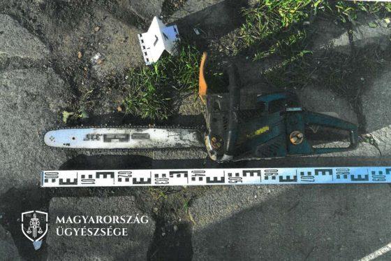 A fenyegetéshez használt láncfűrész (Fotó: Budapesti Regionális Nyomozó Ügyészség)