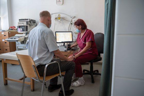 Vizsgálat a Nógrád Megyei Neuropathia Centrumban (Fotó: Wörwag Pharma)