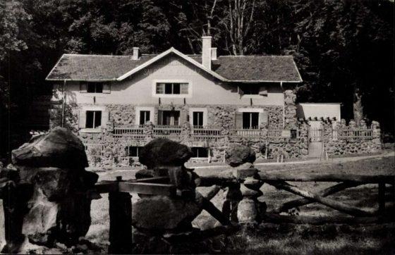 Egykoron a Salgó Menedékház, mely 1965-ben vette fel a Dornyay turistaház nevet (Kiemelt fotó forrása: Zempléni Múzeum képeslap-gyűjteménye)