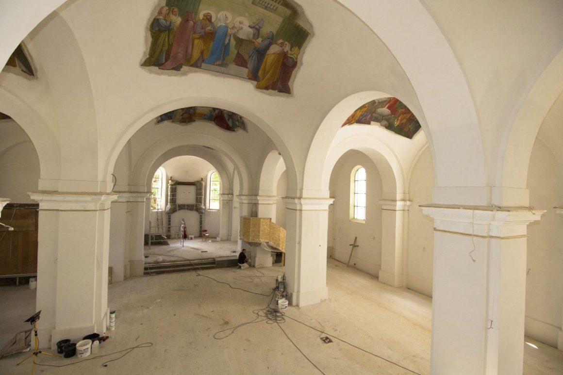 Zajlik a salgótarjáni főplébánia-templom felújítása (Fotó: Viskárdi Péter)