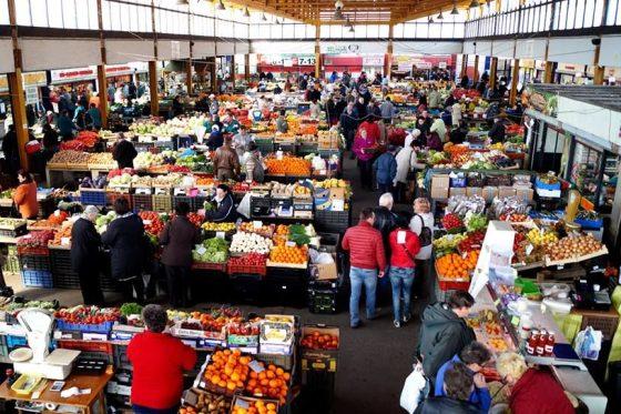 A salgótarjáni piac (Forrás: Vásárcsarnok és Piac, Salgótarján (stpiac) | Facebook)