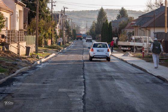 3100.hu Fotó: Folyamatban az útfelújítás a salgótarjáni Sugár úton