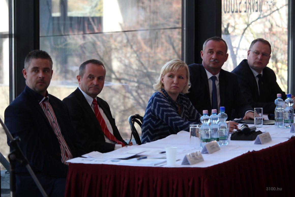 3100.hu Fotó: Aláírták a salgótarjáni foglalkoztatási paktumot