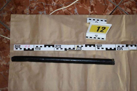 A rendőrségi helyszínelés felvételén az elkövető által használt eszköz (Fotó: Nógrád Megyei Rendőr-főkapitányság)